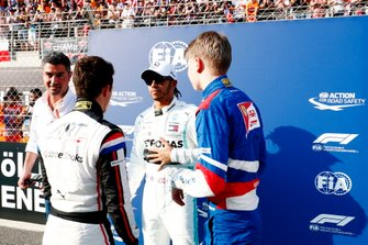 F2 champion Nyck De Vries, ART Grand Prix, F1 champion Lewis Hamilton, Mercedes AMG F1, and F3 champion Robert Shwartzman, PREMA Racing