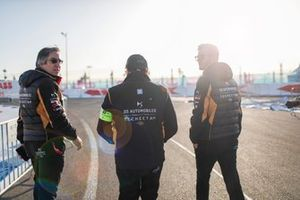 Mark Preston, teambaas DS Techeetah, Pascal Tortosa, DS Techeetah Race Engineer, James Rossiter, DS Techeetah ontwikkelingsrijder