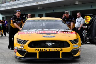 Clint Bowyer, Stewart-Haas Racing, Ford Mustang Rush Truck Centers / Haas CNC