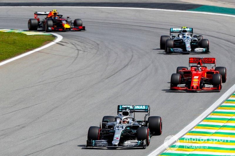 Mercedes, Ferrari y Red Bull sumaron solo 31 puntos (25 de Verstappen, 6 para Hamilton) con sus seis coches en este gran premio. Es la peor marca de los tres equipos TOP desde el GP de Hungría 2012 (16 puntos para Red Bull con Vettel cuarto y Webber octavo, 12 puntos para Ferrari con Alonso quinto y Massa noveno, y 1 punto para Mercedes con Rosberg décimo, para un total de 29)