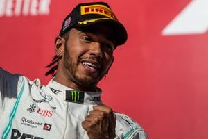 Lewis Hamilton, Mercedes AMG F1, 2e plaats, op het podium