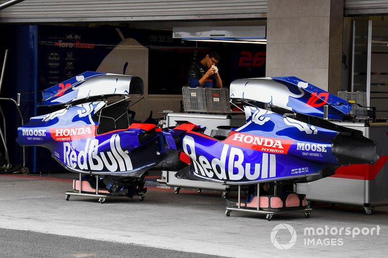 Cubierta de motor de Toro Rosso STR14