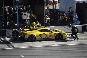 #3 Corvette Racing Corvette C8.R, GTLM: Antonio Garcia, Jordan Taylor, Nicky Catsburg pit stop