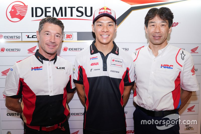 Lucio Cecchinello, Tetsuhiro Kuwata, HRC Director - General Manager Race Operations Management Division, Takaaki Nakagami, Team LCR Honda