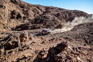 #302 JCW X-Raid Team: Stephane Peterhansel, Paulo Fiuza