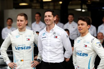 Stoffel Vandoorne, Mercedes Benz EQ, Ian James, Team Principal, Mercedes-Benz EQ, Nyck De Vries, Mercedes Benz EQ