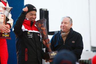 Podium : Toyota avec Jean Todt, président de la FIA