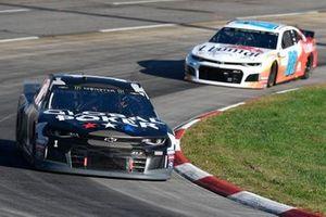 Kurt Busch, Chip Ganassi Racing, Chevrolet Camaro Global Poker, Alex Bowman, Hendrick Motorsports, Chevrolet Camaro LLumar