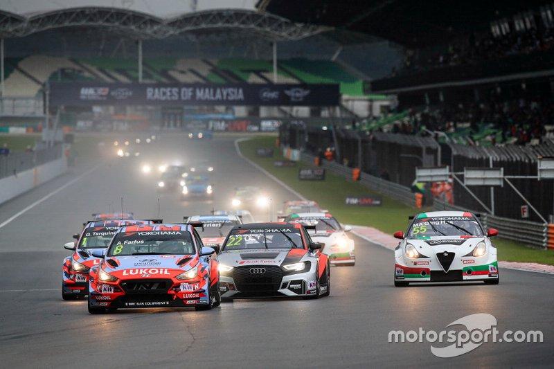 Augusto Farfus, BRC Hyundai N LUKOIL Racing Team Hyundai i30 N TCR, Frédéric Vervisch, Comtoyou Team Audi Sport Audi RS 3 LMS, Ma Qing Hua, Team Mulsanne Alfa Romeo Giulietta TCR
