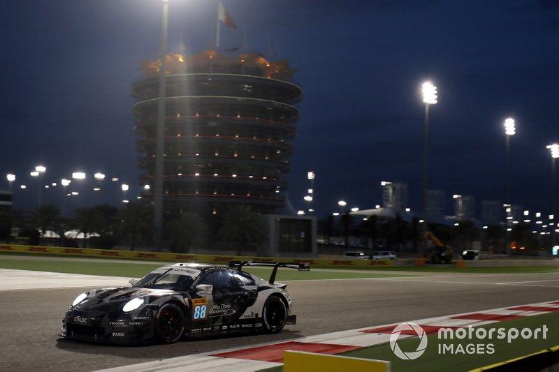#88 Dempsey-Proton Racing Porsche 911 RSR: Thomas Preining, Adrien Deleener, Khalid Al Qubaisi