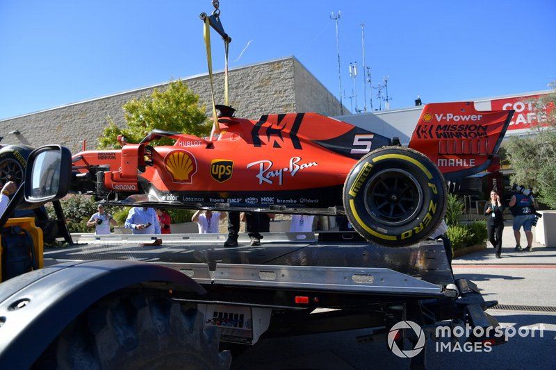 La suspension endommagée de la voiture de Sebastian Vettel, Ferrari SF90