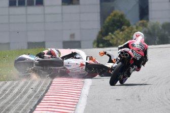 Ayumu Sasaki, SIC Racing Team, Andrea Migno, Bester Capital Dubai, Kaito Toba, Honda Team Asia crash