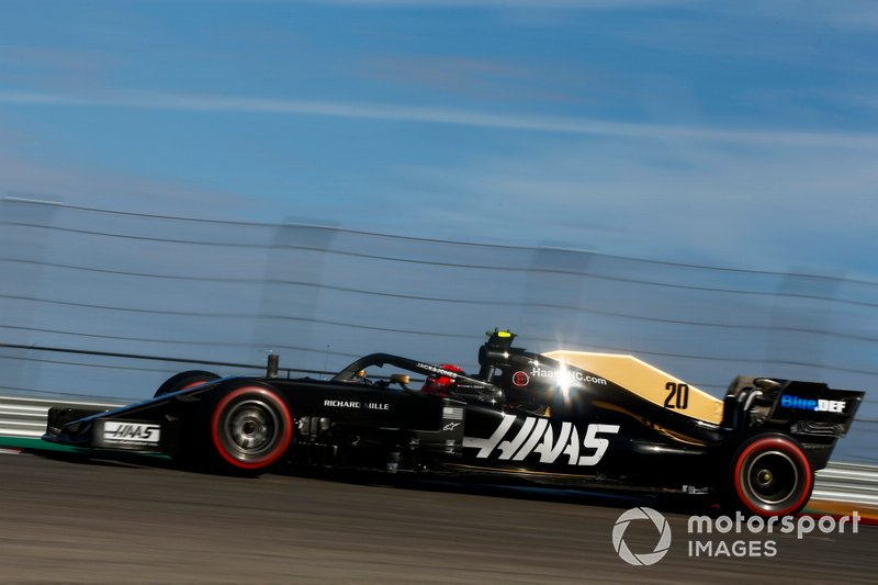 12: Kevin Magnussen, Haas F1 Team VF-19, 1'33.979