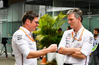 Andrew Shovlin, Chief Race Engineer, Mercedes AMG and James Allison, Technical Director, Mercedes AMG