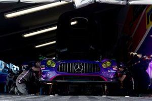 #33 Winward Racing / HTP Motorsport Mercedes-AMG: Russell Ward, Indy Dontje