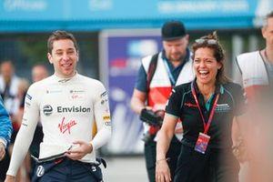 Robin Frijns, Virgin Racing y la presentadora Amanda Stretton