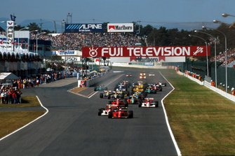 Start action, Alain Prost, Ferrari 641 leads Ayrton Senna, McLaren MP4/5B Honda