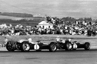 Denny Hulme, Brabham BT20; Jack Brabham, Brabham BT20