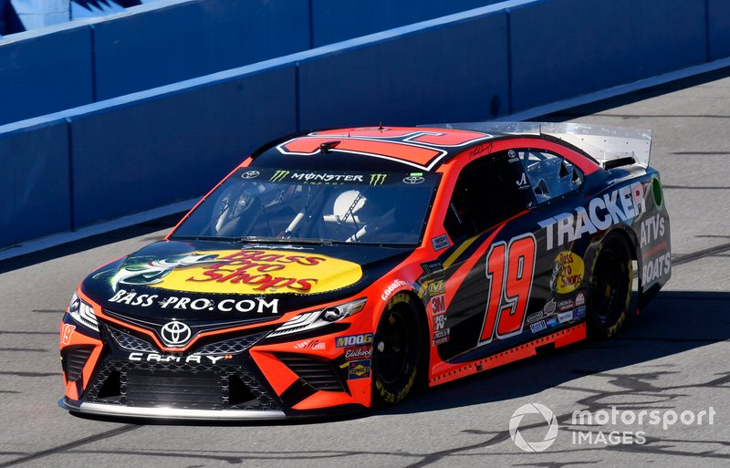 27. Martin Truex Jr., Joe Gibbs Racing, Toyota Camry Bass Pro Shops