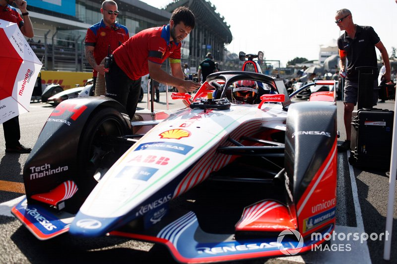 Pascal Wehrlein, Mahindra Racing, M5 Electro, on Pole Position
