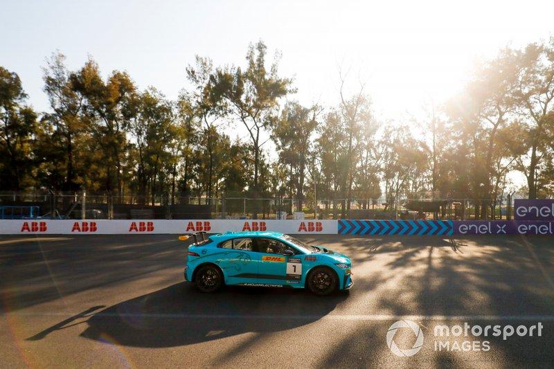 Salvador Duran, Jaguar VIP car