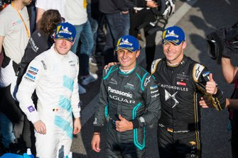 Mitch Evans, Panasonic Jaguar Racing, celebrates with Andre Lotterer, DS TECHEETAH, Stoffel Vandoorne, HWA Racelab