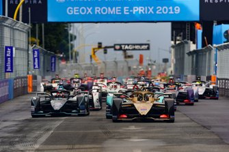 Andre Lotterer, DS TECHEETAH, DS E-Tense FE19, Mitch Evans, Panasonic Jaguar Racing, Jaguar I-Type 3, Stoffel Vandoorne, HWA Racelab, VFE-05, at the start