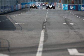 Oliver Rowland, Nissan e.Dams, Nissan IMO1, guida il gruppo alla partenza