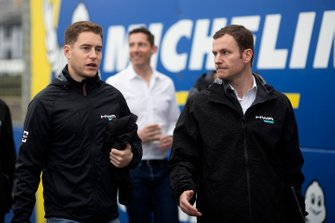 Stoffel Vandoorne, HWA Racelab walks the track