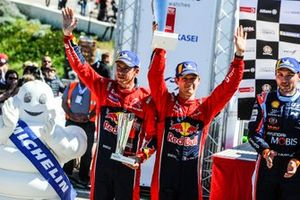 Podium: Sébastien Ogier, Julien Ingrassia, Citroën World Rally Team Citroen C3 WRC
