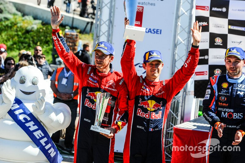 Podio: Sébastien Ogier, Julien Ingrassia, Citroën World Rally Team Citroen C3 WRC