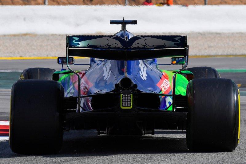 Alexander Albon, Scuderia Toro Rosso STR14, avec de la peinture aéro