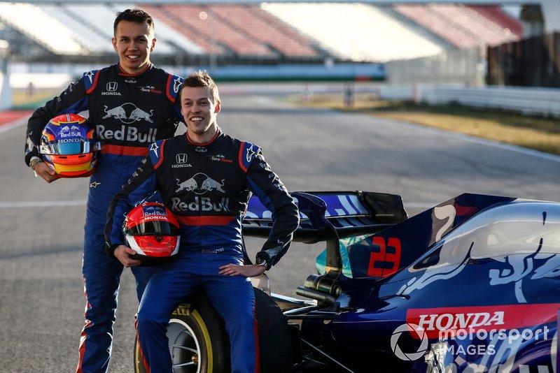 Alexander Albon, Scuderia Toro Rosso STR14 e Daniil Kvyat, Toro Roso STR14