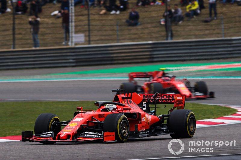 Sebastian Vettel, Ferrari SF90 y Charles Leclerc, Ferrari SF90
