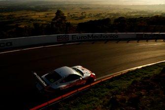 #23 Team Carrera Cup Asia Porsche 911 GT3 Cup: Chris Van der Drift, Paul Tresidder, Jinlong Bao, Philip Hamprecht