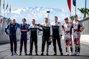 Şampiyon pilotlar grup fotoğrafı