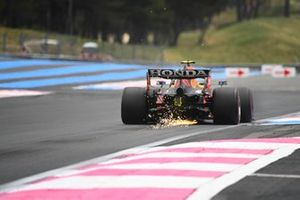 Sparks trail from Sergio Perez, Red Bull Racing RB16B