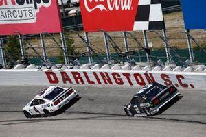 Kevin Harvick, Stewart-Haas Racing, Ford Mustang Mobil 1 Throwback and Brad Keselowski, Team Penske, Ford Mustang Freightliner