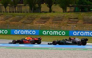 Max Verstappen, Red Bull Racing RB16B passes Lewis Hamilton, Mercedes W12