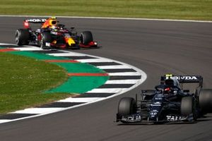 Pierre Gasly, AlphaTauri AT02, Sergio Perez, Red Bull Racing RB16B