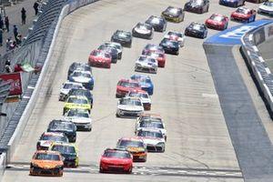 Daniel Hemric, Joe Gibbs Racing, Toyota Supra Poppy Bank, Justin Allgaier, JR Motorsports, Chevrolet Camaro BRANDT