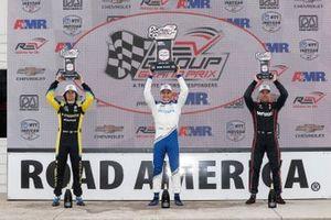 Colton Herta, Andretti Autosport Honda, Alex Palou, Chip Ganassi Racing Honda, Will Power, Team Penske Chevrolet, sur le podium
