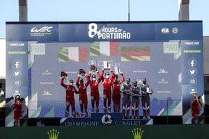 GTE-Pro-Podium: 1. Alessandro Pier Guidi, James Calado, 2. Daniel Serra, Miguel Molina, 3. Kevin Estre, Neel Jani, Michael Christensen