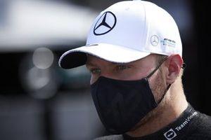 Valtteri Bottas, Mercedes, wordt geïnterviewd