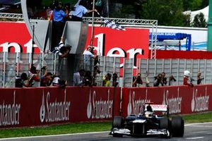 Race winner Pastor Maldonado, Williams FW34