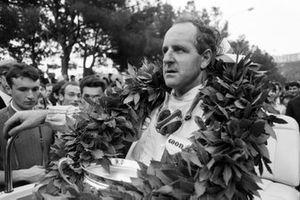 Il vincitore della gara Denny Hulme, Lotus