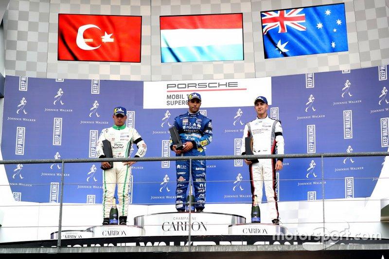 Podio: Il vincitore della gara Dylan Pereira, Momo Megatron Lechner Racing, secondo classificato Ayhancan Güven, martinet by ALMERAS, terzo classificato Jaxon Evans, FACH AUTO TECH