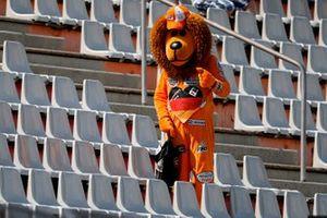 A Max Verstappen fan in a Lion suit