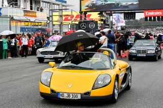 Nico Hulkenberg, Renault F1 Team, in the drivers parade