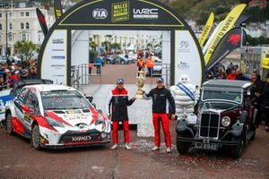 Ott Tänak, Martin Järveoja, Toyota Gazoo Racing WRT Toyota Yaris WRC with the trophy
